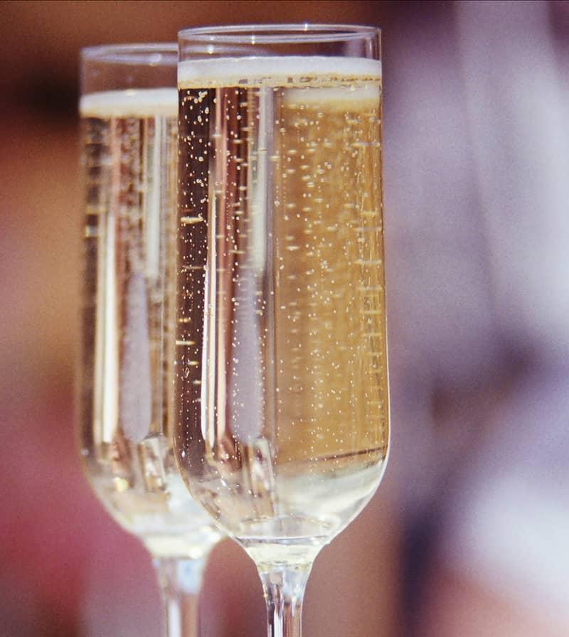 Surprizi : Le cadeau belge de toutes les entreprises : parmis les produits proposés : champagne