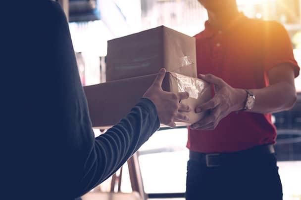 Surprizi : cadeaux d'entreprise en Belgique : Fin d'année, anniversaire, promotion, restez présents dans l'esprit de vos clients. De 1 à 10 000 coffrets personnalisés et envoyés à chacun d'eux par nos soins.