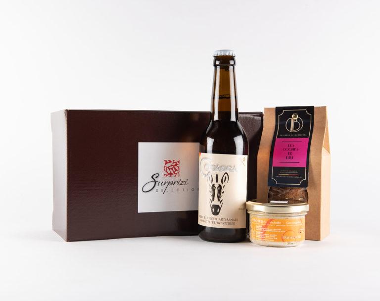 Surprizi : Nos coffrets cadeaux gourmands : Coffret : Couagga, 33cl / Les Cookies de Lulu, 100gr / Rillettes de volaille d'Ardenne : 17,86€ HTVA