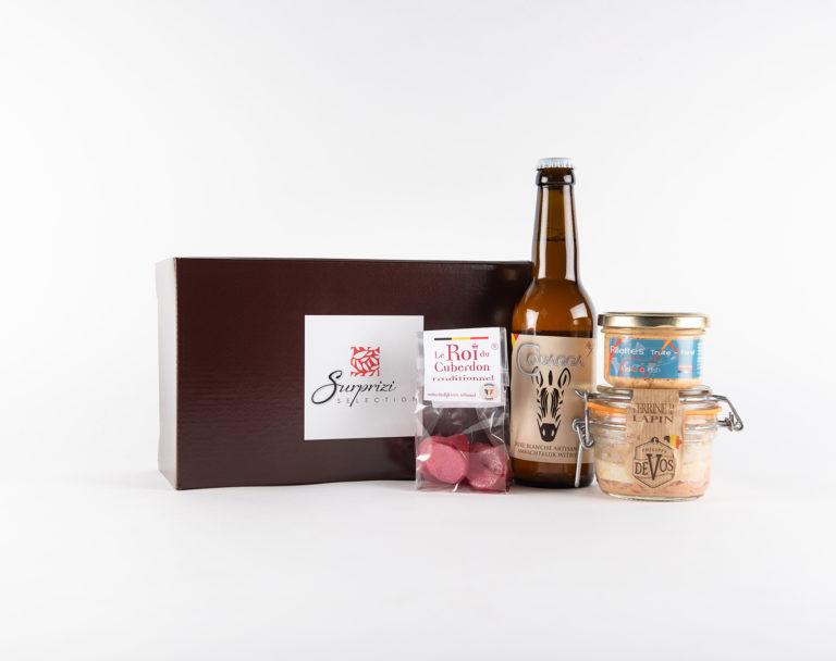 Surprizi : Nos coffrets cadeaux gourmands : Coffret : Terrine de lapin, 125gr / Terrine de truite saumonée, 90gr  / 4 cuberdons  / Couagga, 33cl : 24,39€ HTVA