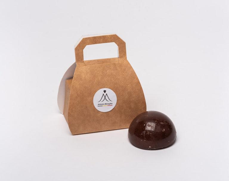 Surprizi : Nos coffrets cadeaux gourmands : Valisette : Une guimauve recouverte de caramel au beurre salé et chocolat sur biscuit de riz : 1,50€ HTVA